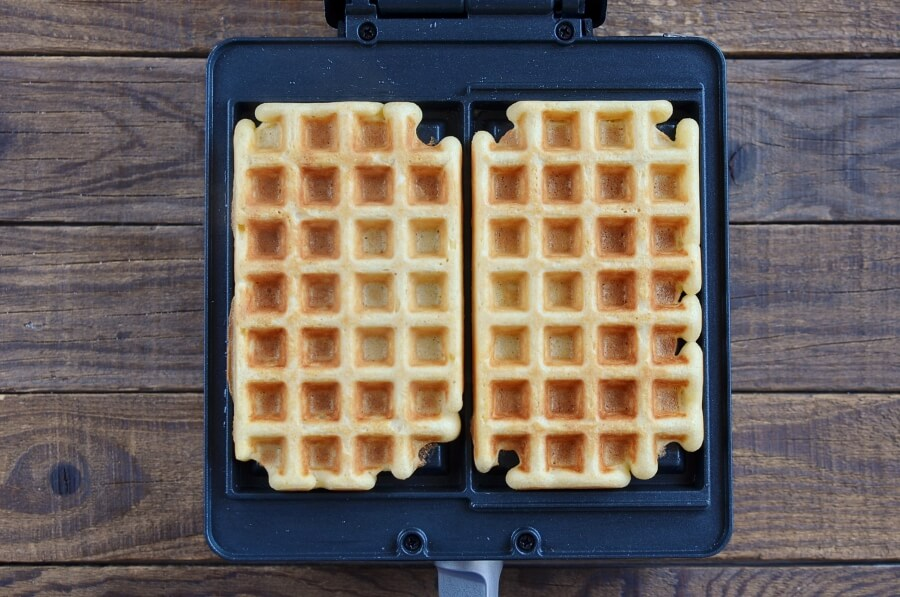 Ice Cream Waffle Sandwich recipe - step 1