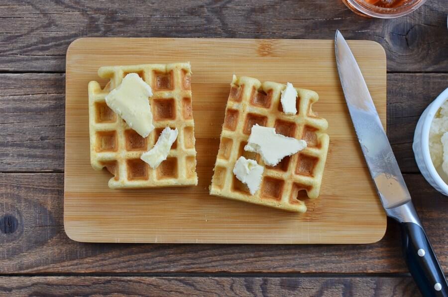 Ice Cream Waffle Sandwich recipe - step 2