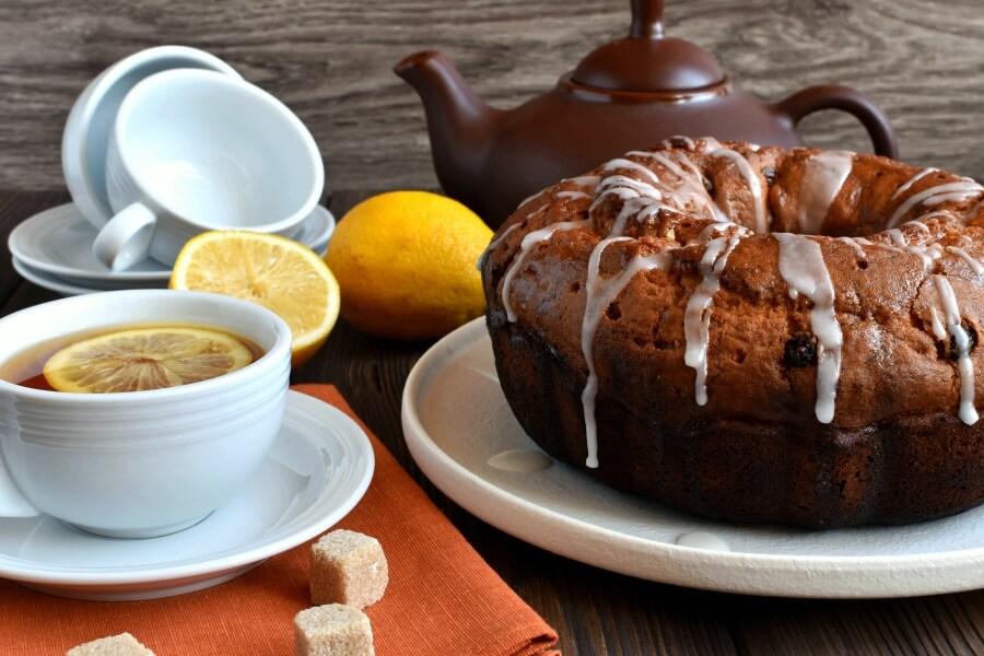 How to serve Lemon Fiesta Cake