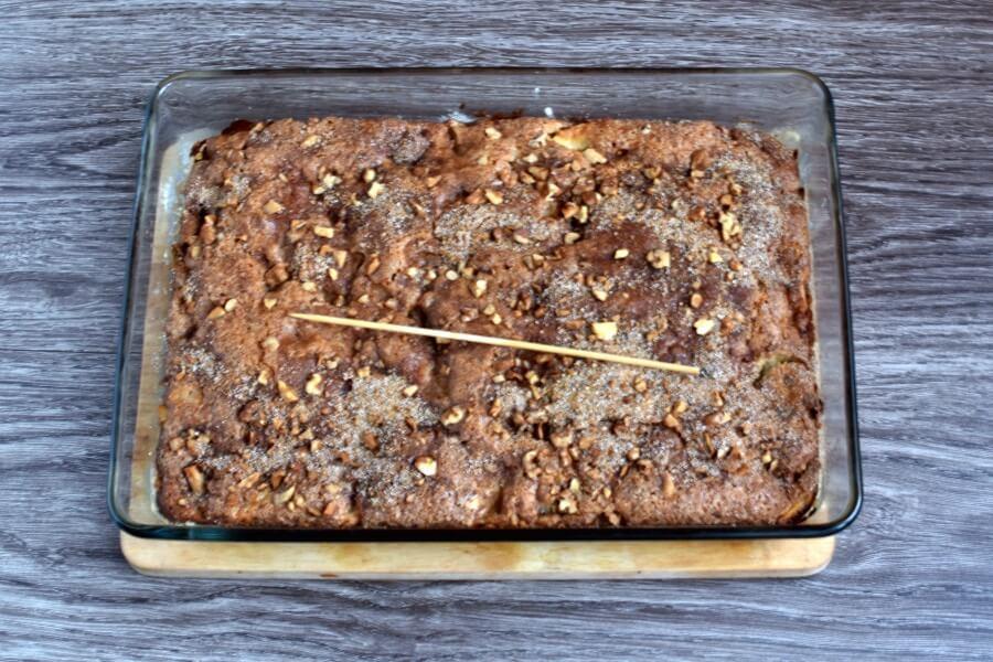 How to serve Mom's Prize Winning Raw Apple Cake