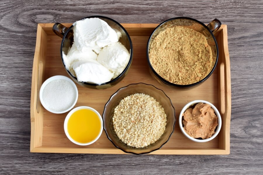 Peanut Butter Ice Cream Pie-Easy Peanut Butter Cup Ice Cream Pie-Reese's Peanut Butter Ice Cream Pie