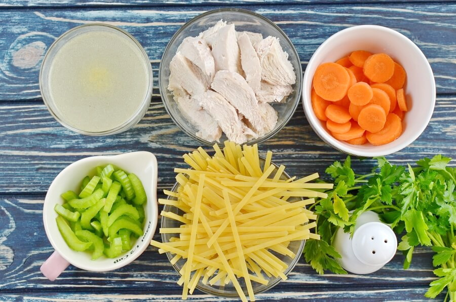 Ingridiens for Sensational Chicken Noodle Soup