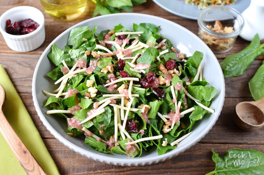 How to serve Simple Cranberry Spinach Salad