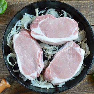 Smothered Pork Chops recipe - step 3