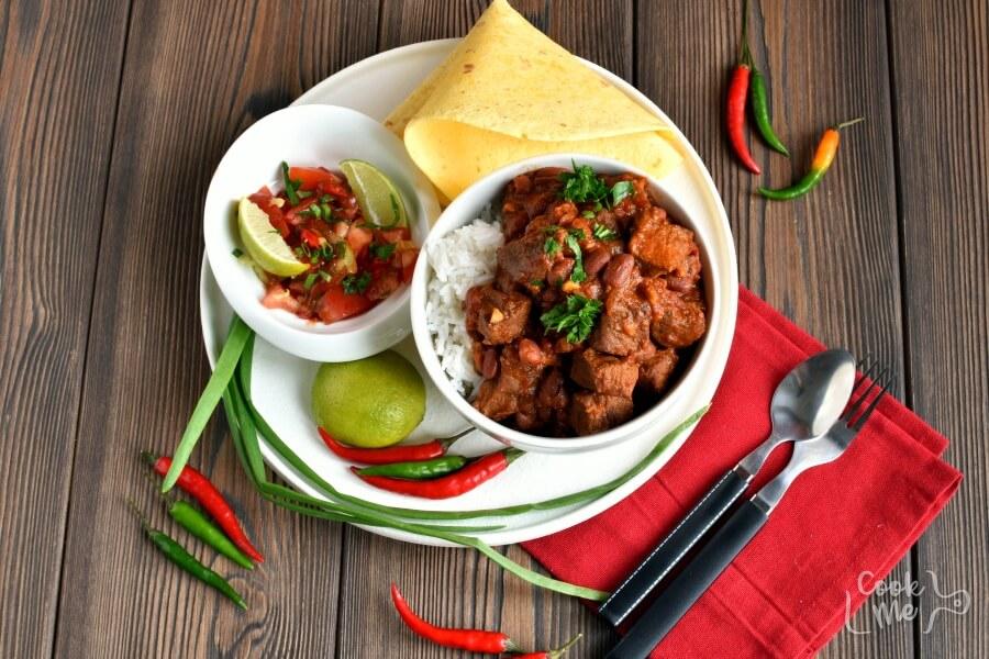 How to serve Steak Chili