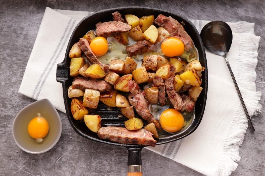 Easy Steak and Egg Hash recipe - step 6