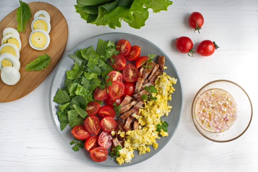 BLT Salad with Sweet Onion Vinaigrette recipe - step 3