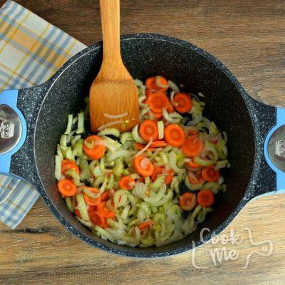 Detox Immune-Boosting Chicken Soup recipe - step 1
