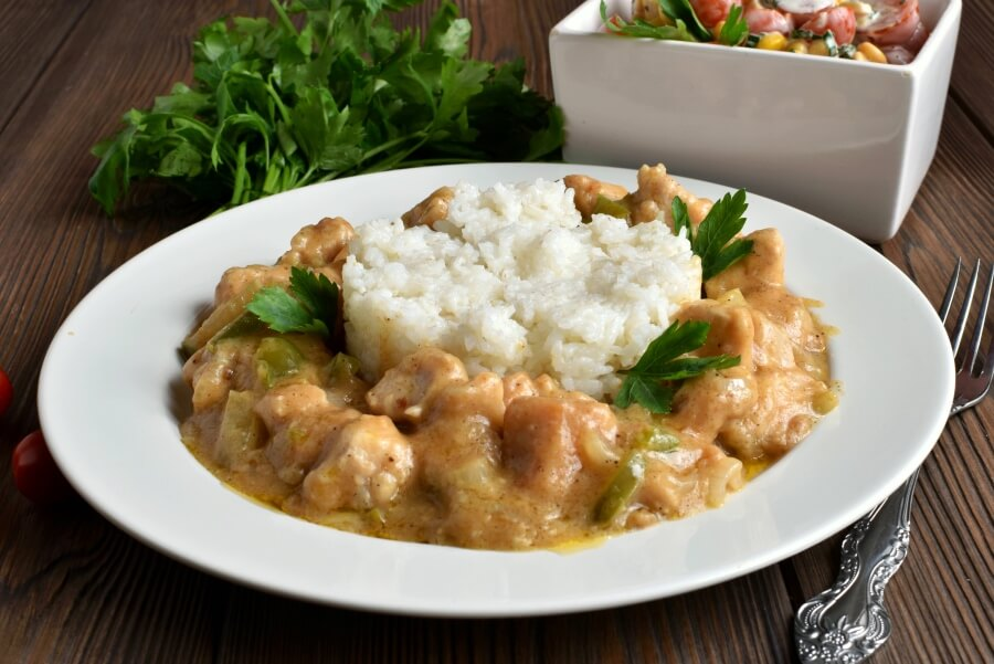 How to serve Chicken Etouffee