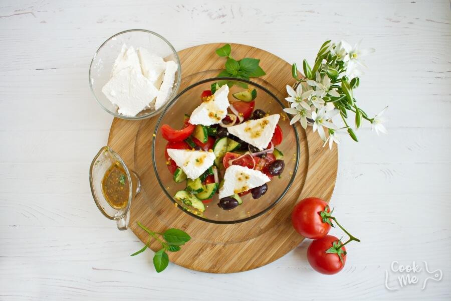 Greek Tomato Salad recipe - step 3