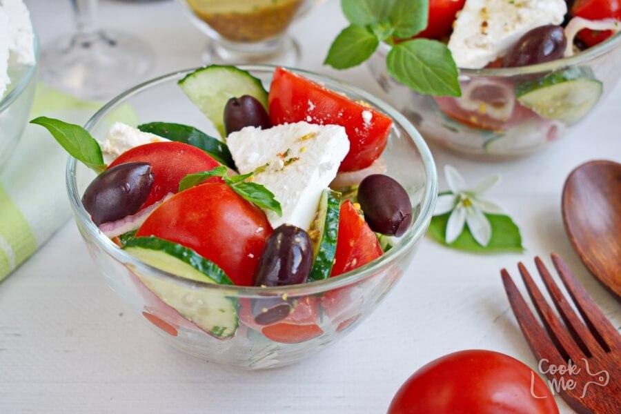 How to serve Greek Tomato Salad