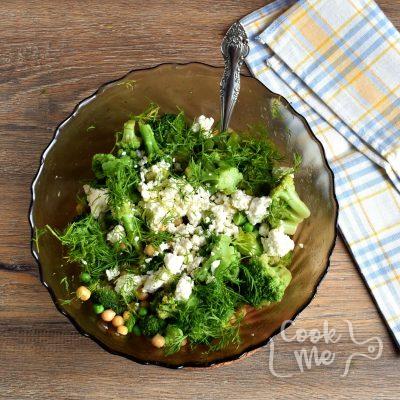 Lemony Broccoli Salad With Chickpeas and Feta recipe - step 4