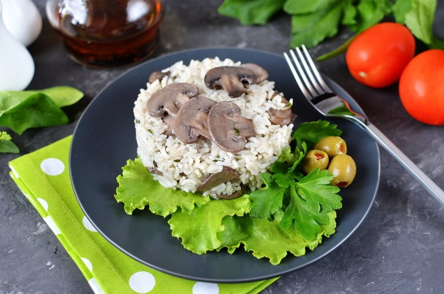 How to serve Easy Mushroom Rice