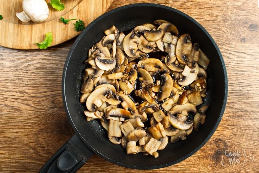 Mushrooms with a Soy Sauce Glaze recipe - step 2