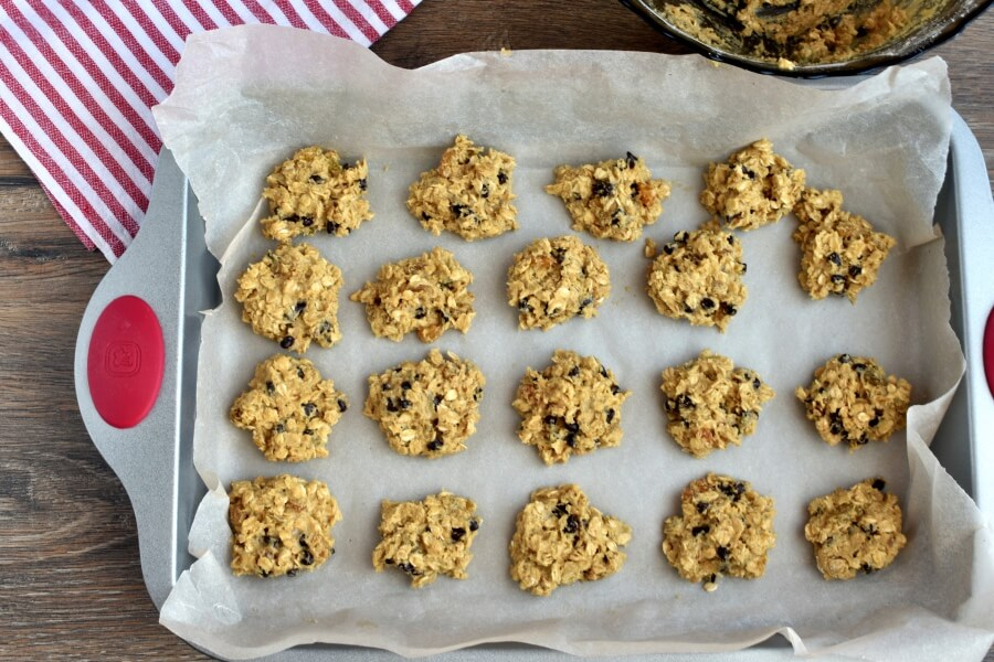 Oatmeal Chocolate Chip Cookies recipe - step 5