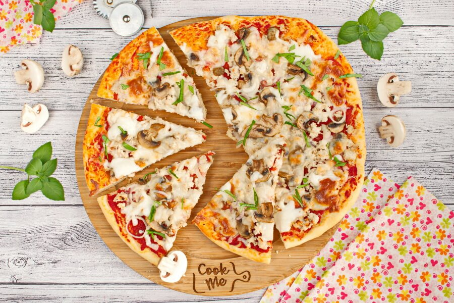 How to serve Sausage Mushroom Pizza