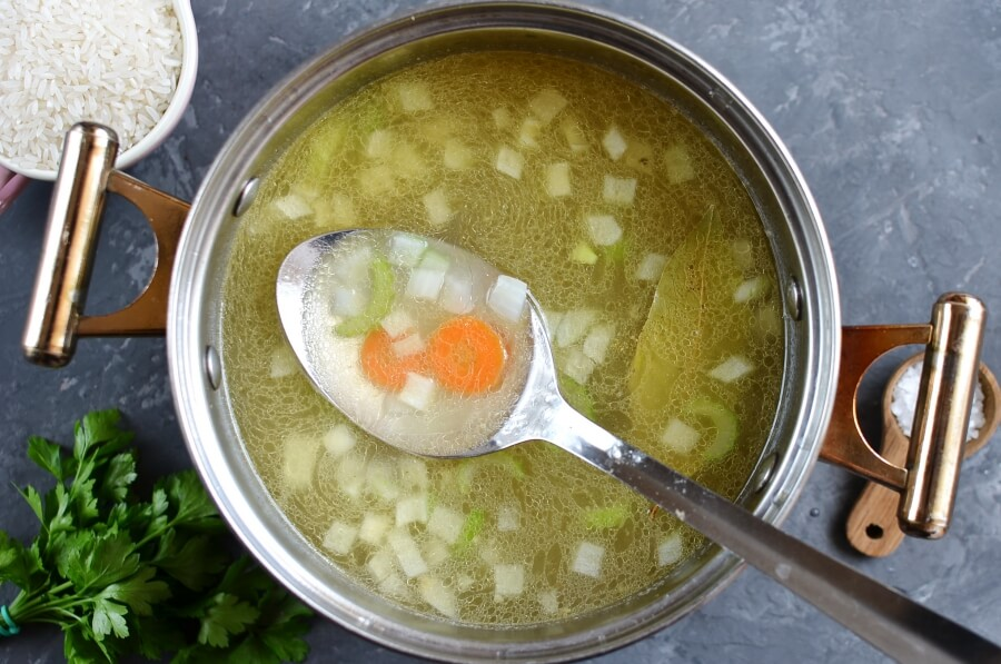 Simple Chicken Soup recipe - step 3