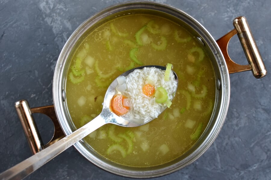 Simple Chicken Soup recipe - step 4
