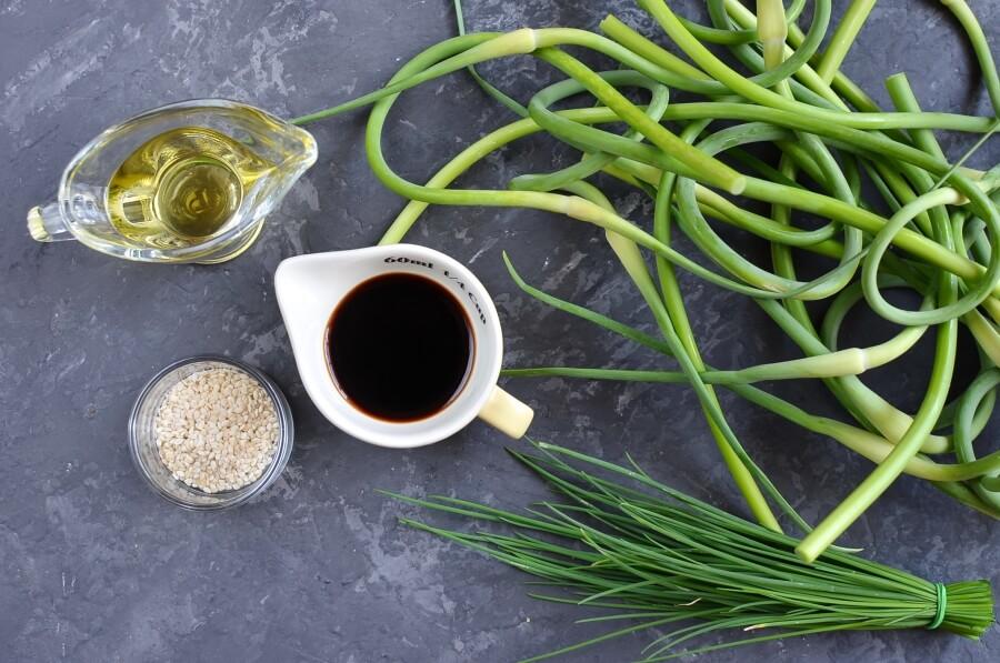 Ingridiens for Special Vegan Banchan for Garlic Lovers