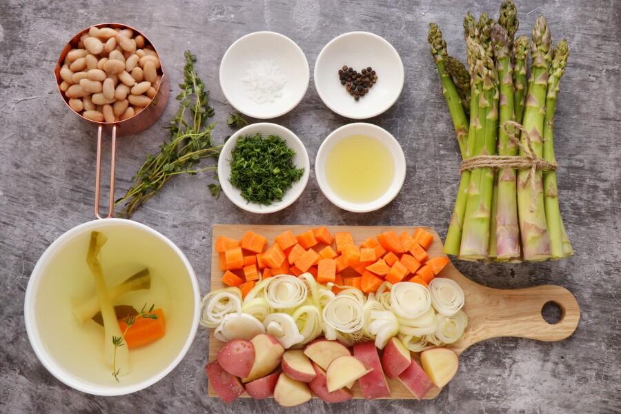 Ingridiens for Vegan Spring Minestrone