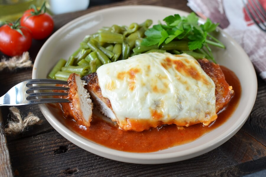 How to serve Tomato Chicken Parmesan