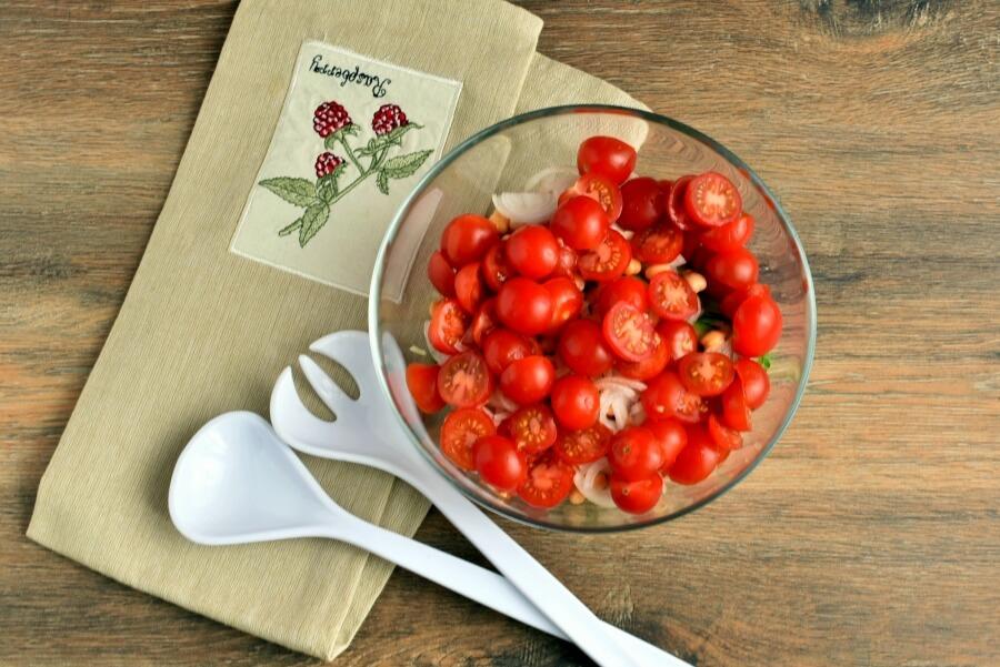 Healthy Tomato, Cucumber and Feta Salad recipe - step 1