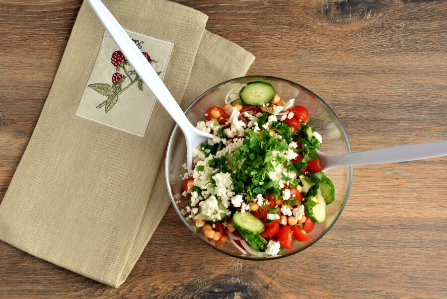 Healthy Tomato, Cucumber and Feta Salad recipe - step 3