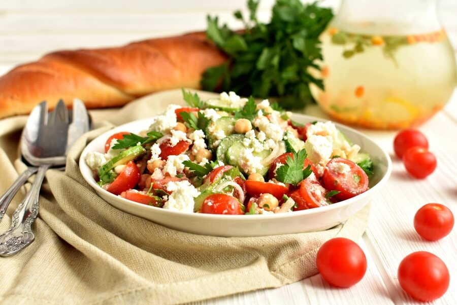 How to serve Healthy Tomato, Cucumber and Feta Salad