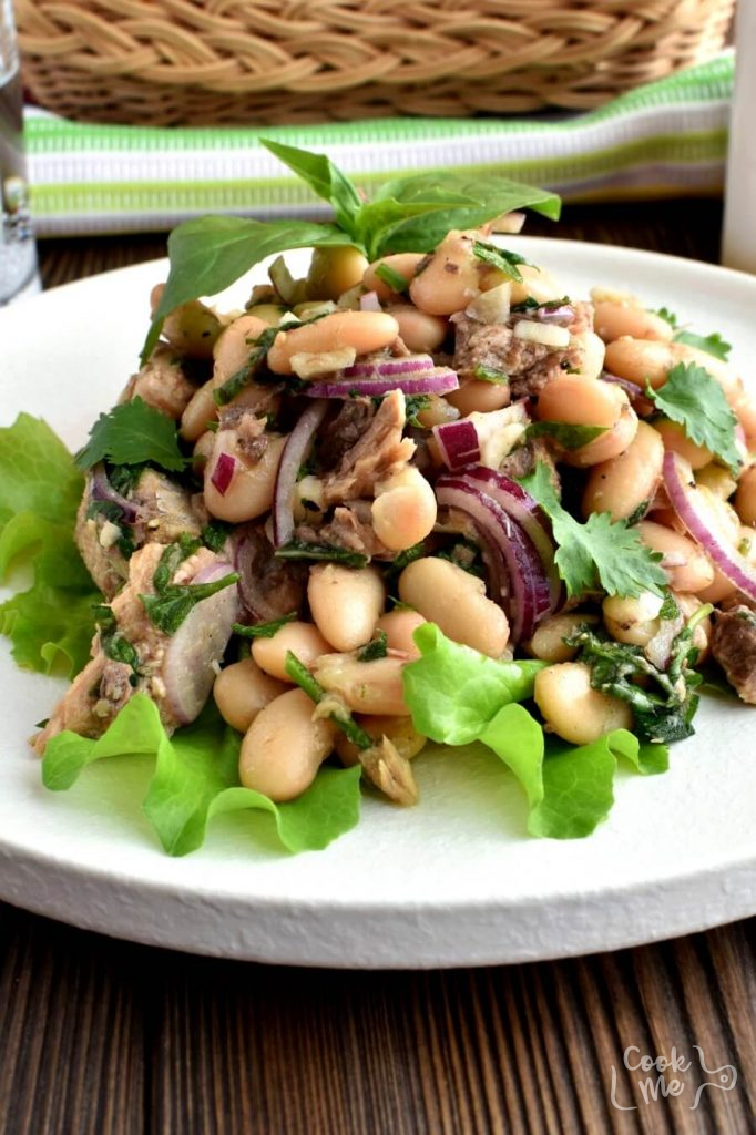 An Italian Medley Of Tuna and Cannellini Beans