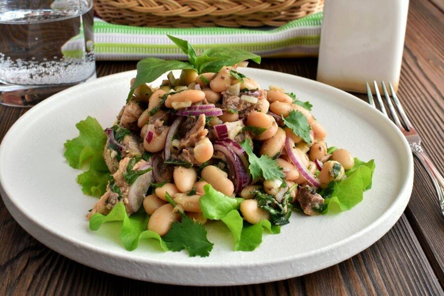 How to serve Gluten Free Tuna and White Bean Salad