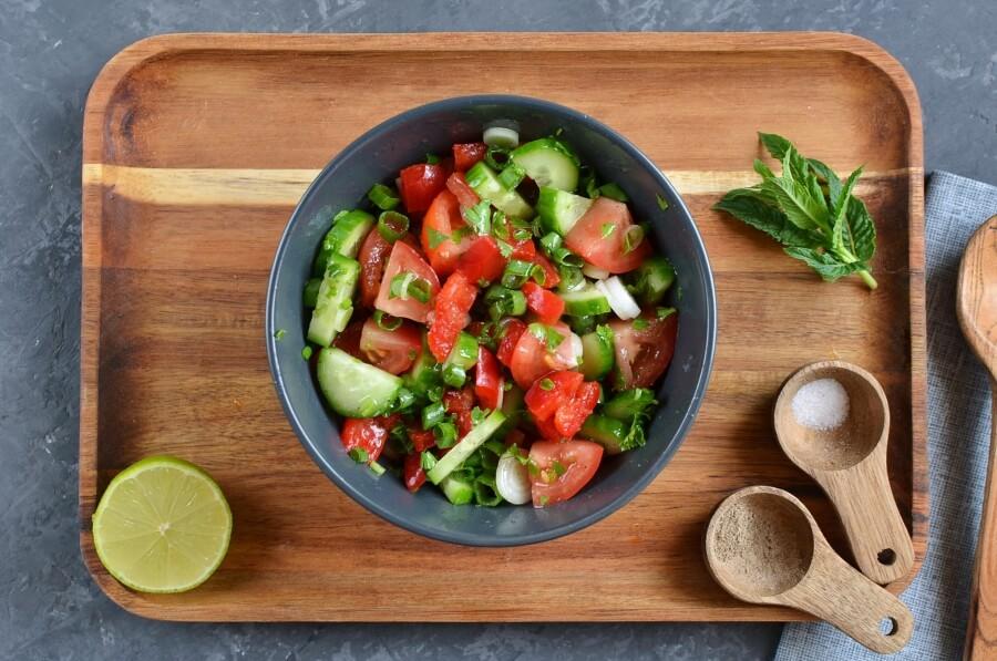 How to serve Vinagrete (Brazilian Tomato Slaw)