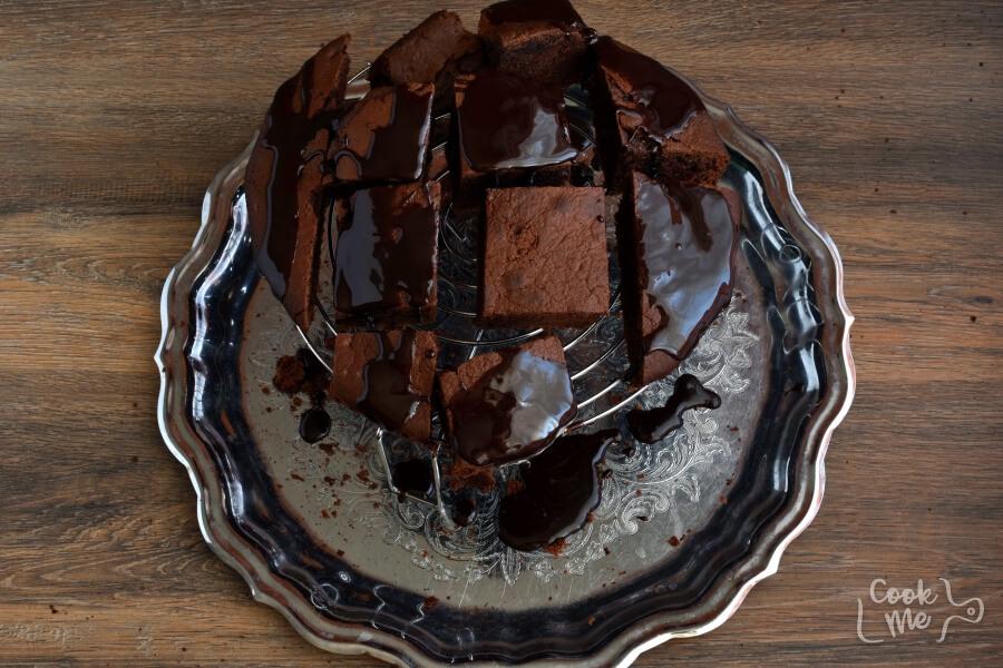 Wellesley Fudge Cake recipe - step 10