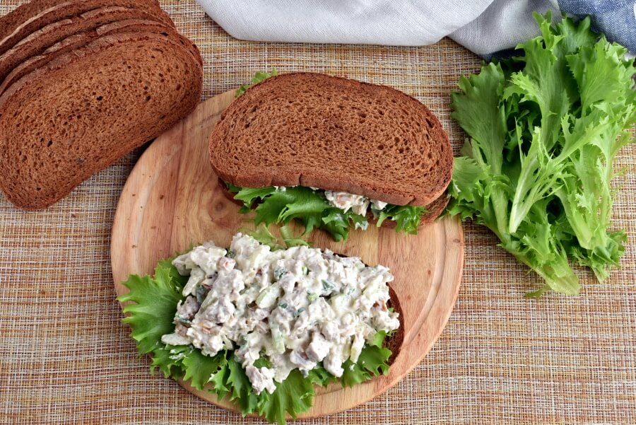 Cashew Apricots Turkey Salad Sandwiches recipe - step 3