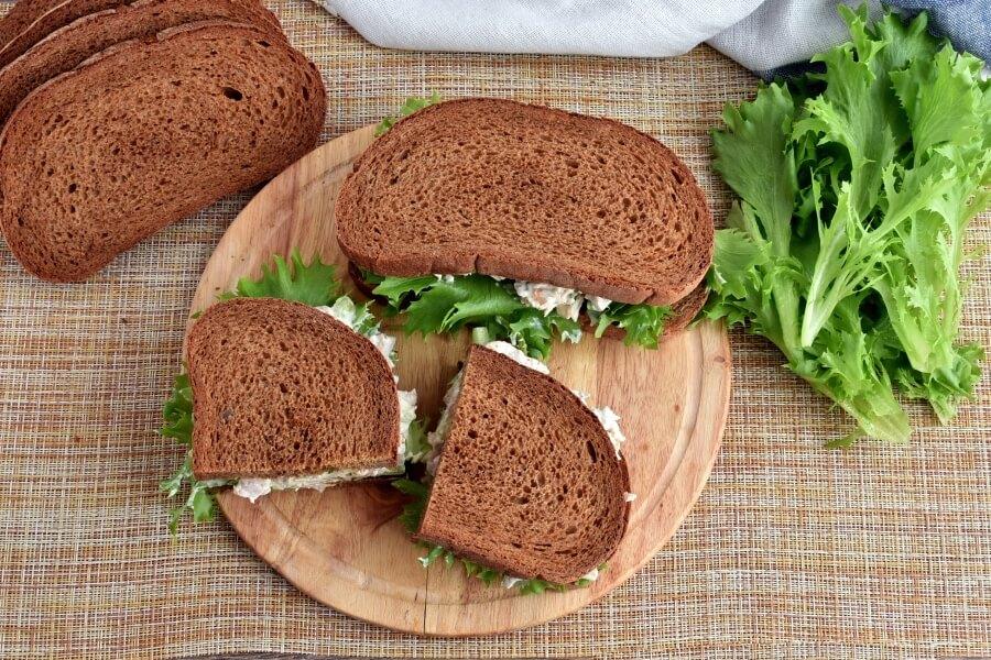 How to serve Cashew Apricots Turkey Salad Sandwiches