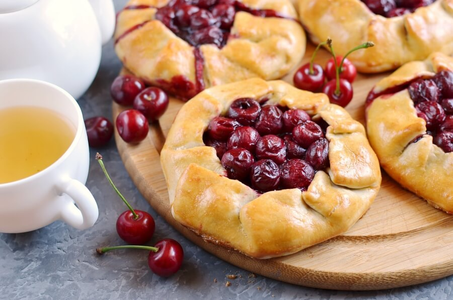 Cherry Galettes Recipe-Homemade Cherry Galettes-Delicious Cherry Galettes