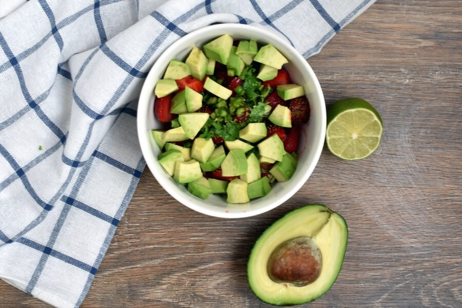 Chicken Cutlets with Strawberry-Avocado Salsa recipe - step 1