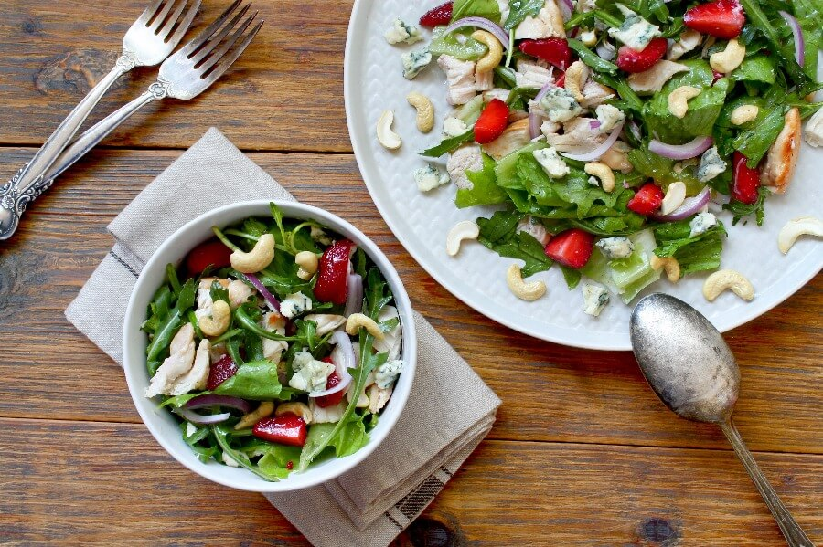 How to serve Healthy Chicken and Strawberry Salad