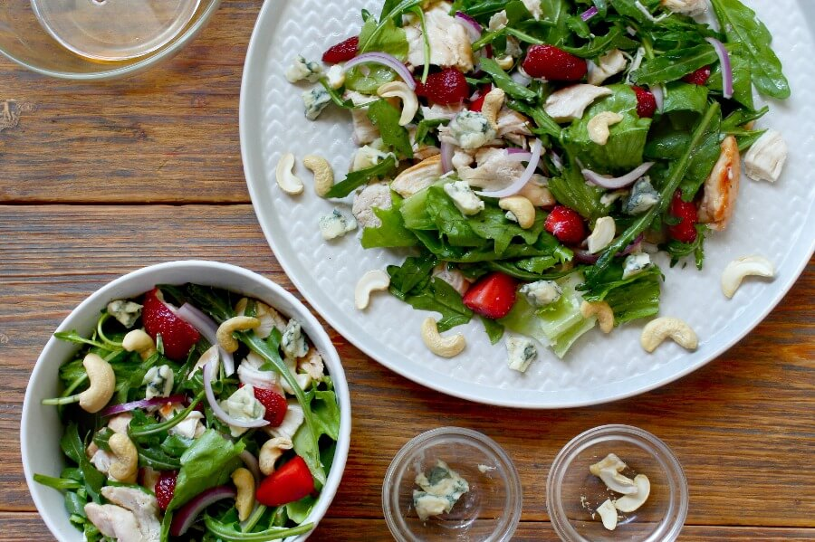 Healthy Chicken and Strawberry Salad recipe - step 3