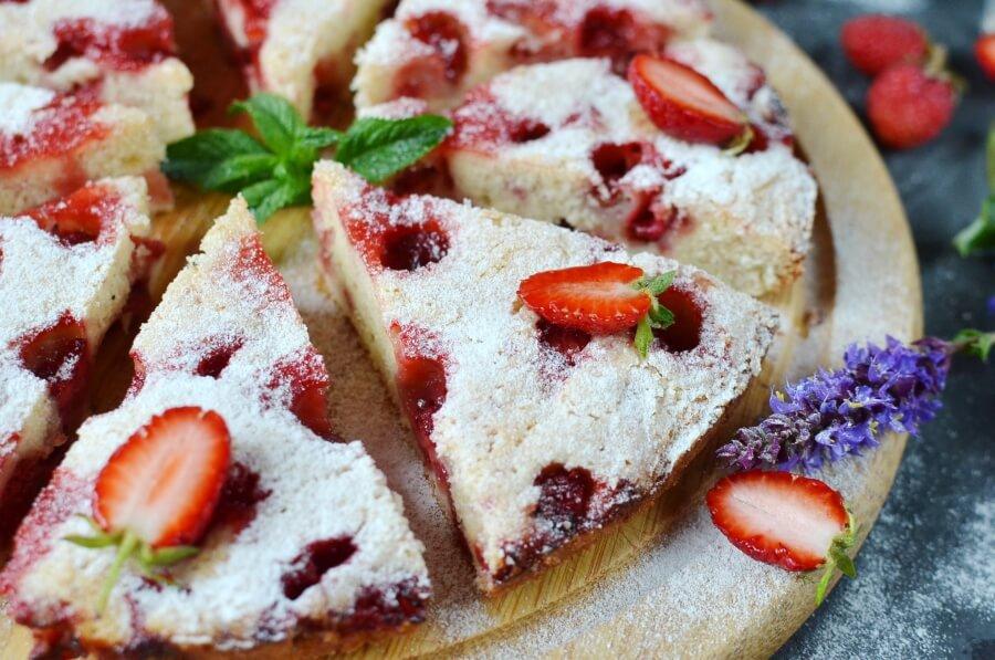 How to serve Crustless Fresh Strawberry Pie