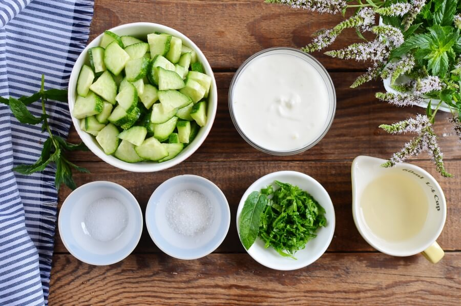 Ingridiens for Cucumber Mint Raita