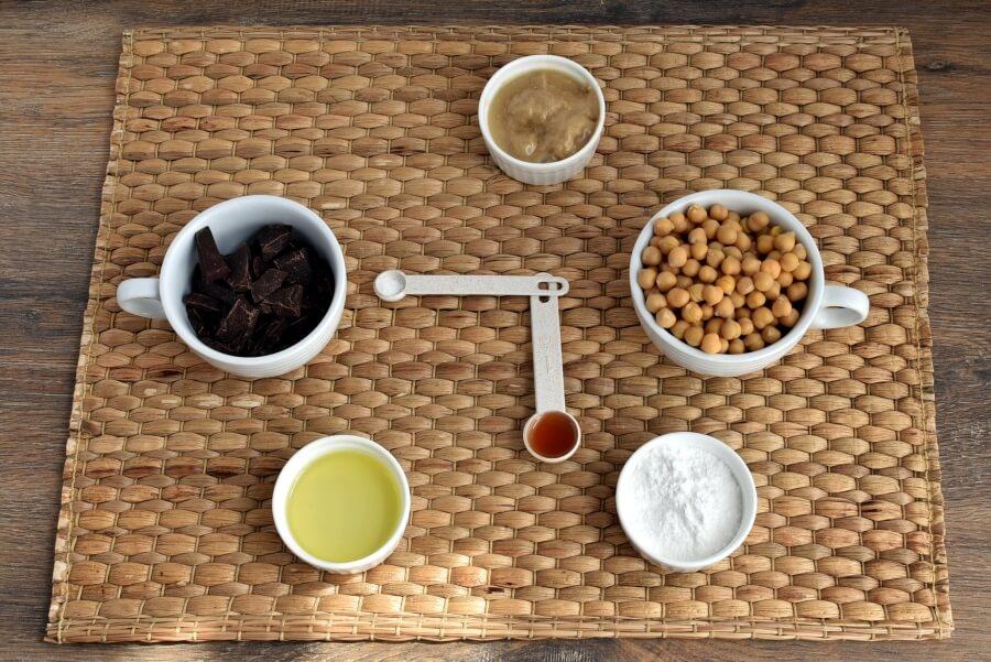 Ingridiens for Vegan Dark Chocolate Hummus