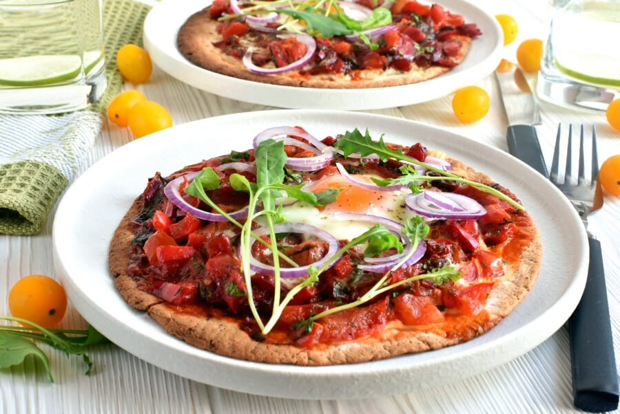 How to serve Egg & Rocket Pizzas