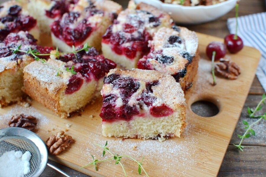 How to serve Fresh Cherry Cake