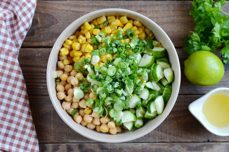 Fresh Vegan Corn and Chickpea Salad recipe - step 1