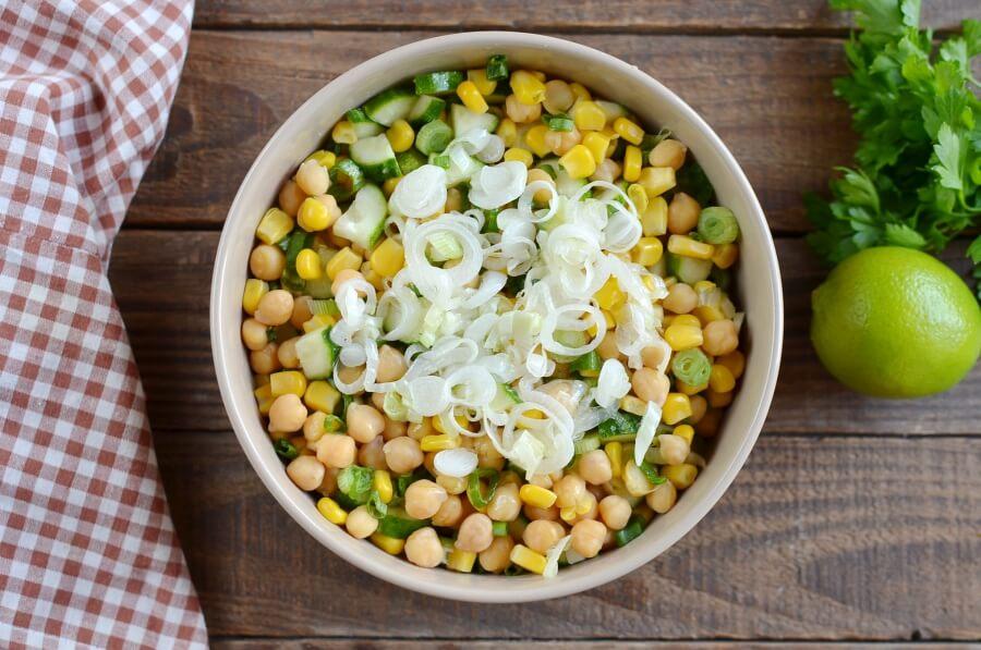 Fresh Vegan Corn and Chickpea Salad recipe - step 3