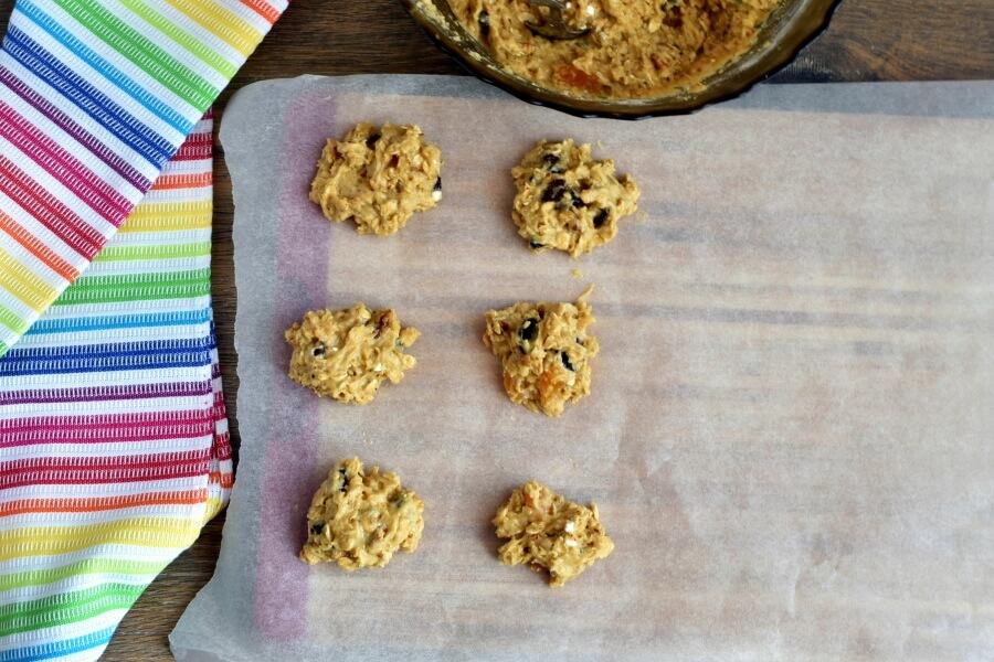 Healthy Fruited Oatmeal Cookies recipe - step 7