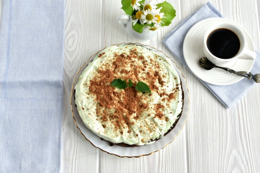 How to serve Grasshopper Ice Cream Pie