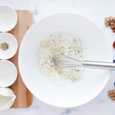 Healthy Berry and Walnut Salad recipe - step 1
