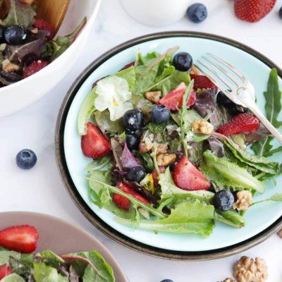 Healthy Berry and Walnut Salad Recipe-Berry and Walnut Salad-How to Make Healthy Berry and Walnut Salad