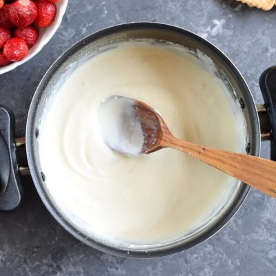 Healthy Strawberry Cheesecake Pops recipe - step 3